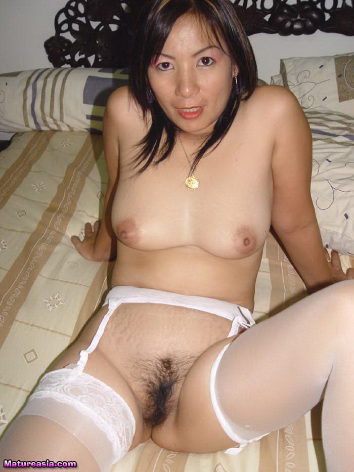 White pussy stretched by black cock