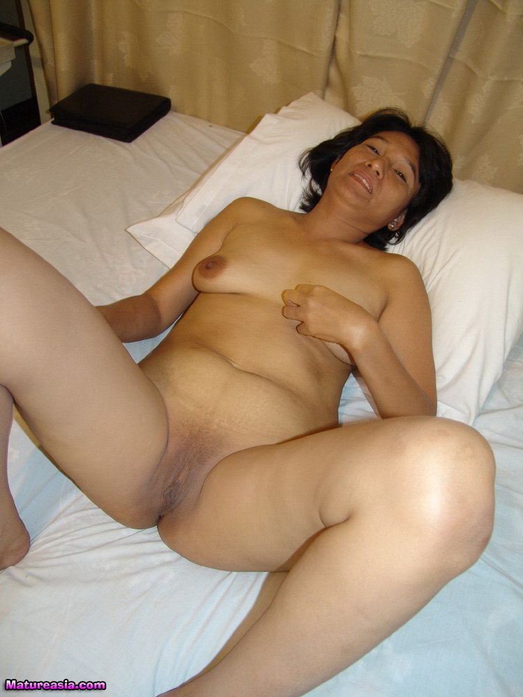 Mature wife cheats with bbc