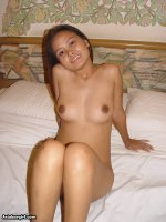 Curvy Asian LBFM with a tight pussy